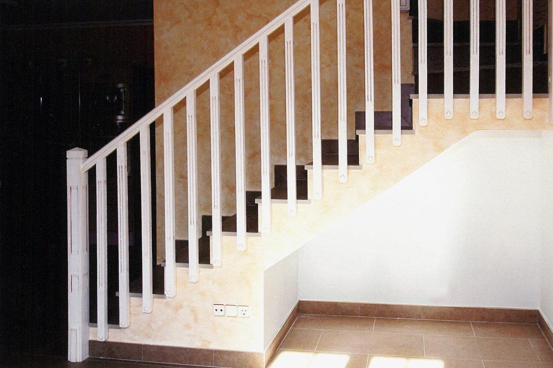 Muebles muga proyectos a medida barandillas y escaleras for Muebles muga cintruenigo